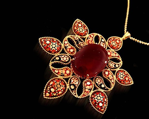 Iran-traveling to Iran-tourism-tourism attractions-Iran attractions-Iran gifts-iran souvenir-buy from Iran-Iran Handicrafts-Iranian art-iranian jewelry-traditional jewelry-necklace